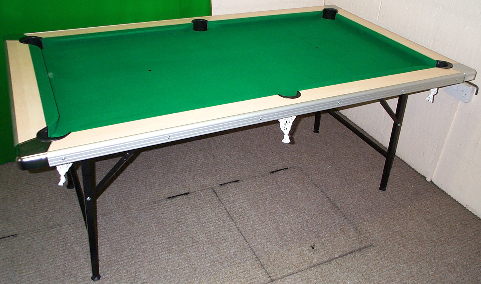 - The Snooker Shop - 6' Puma Pool Table